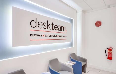 Desk-team-reviews