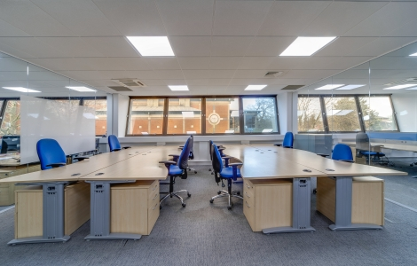Desk Team | Lockable offices